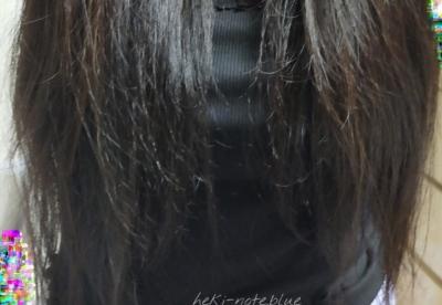 LUXヘアサプリディープケアサプリマスクトリートメントを使ってみた髪を、しっかりとかして下ろしているところ